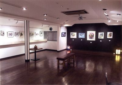 Gallery K&S 貸し画廊の室内の写真