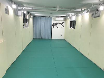 コンパクトな多目的スペース フリースペースの室内の写真