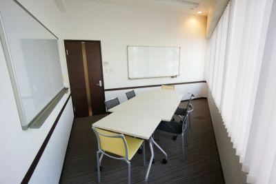 名古屋会議室 名古屋伏見駅前店 第1会議室の室内の写真
