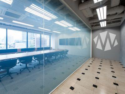MONSTER スタジオ 乃木坂 大会議室の室内の写真