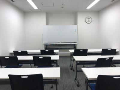 fabbit大阪本町 会議室の室内の写真