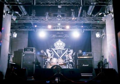 MELODIA Tokyo ライブハウスの室内の写真