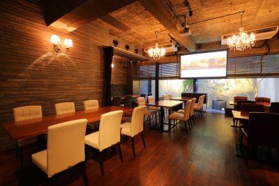 本町QUATTRO レストランの室内の写真