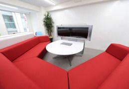 Triel東京  12名会議室の室内の写真