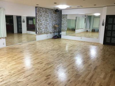 松阪ダンススタジオ テンダリー ダンススタジオの室内の写真