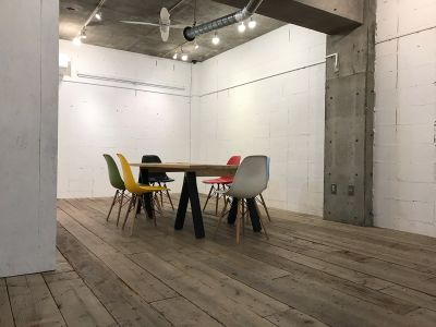 マジェルカギャラリー 展示会 会議 パーティースペースの室内の写真