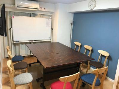 カラメル新宿タカシマヤ前2号店 貸し会議室の室内の写真
