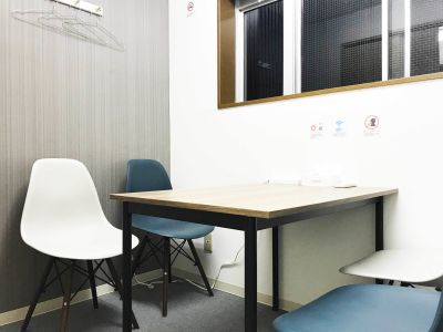 カラメル池袋西口店 F室(グレー)の室内の写真