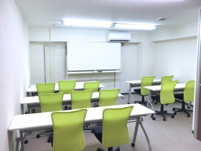 自習室しんじゅくの貸し会議室 2階202号室の室内の写真