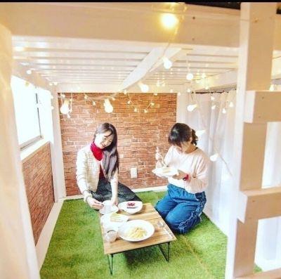 DIYcafe  部屋の中にある半個室の御利用の室内の写真