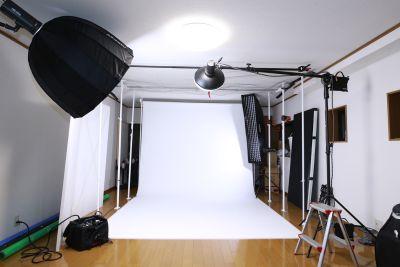 Hotgraph Studio 写真スタジオ 多目的スペースの室内の写真
