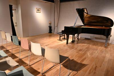 ミレートス 展示会、ホールの室内の写真