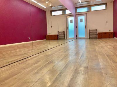 UraraStudio横浜西口店 プラムスタジオの室内の写真