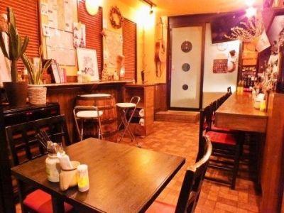 ワイン酒場 ツキアカリ パーティスペースの室内の写真