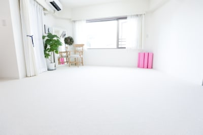 広尾駅徒歩1分のレンタルスペース。ヨガマット7枚完備。 - Salon de Spirit ヨガスタジオ・サロンスペースの室内の写真