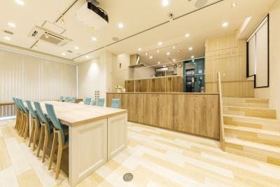 カンティーナ~「集いの場」~ キッチン&コミュニティー&カフェの室内の写真