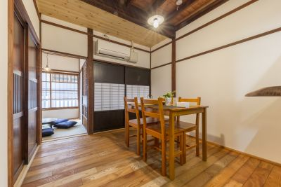 築90年以上の長屋をリノベーションした物件です。 - 月島長屋 多目的スペースの室内の写真
