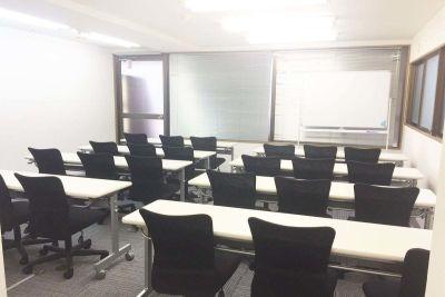 新宿レンタルスペース貸会議室 貸会議室の室内の写真