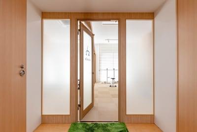 入口 - ボディメイクスタジオASmake レンタルスペース(ジム等)の室内の写真