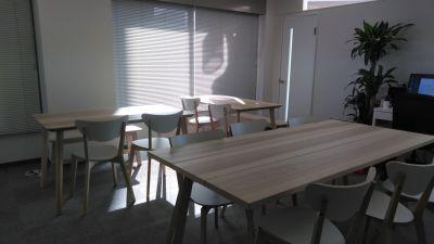 ホンマルラジオ大阪スタジオ 貸し会議室、レンタルスタジオの室内の写真