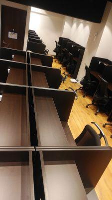 自習室at home 貸会議室 習い事 コワーキングの室内の写真