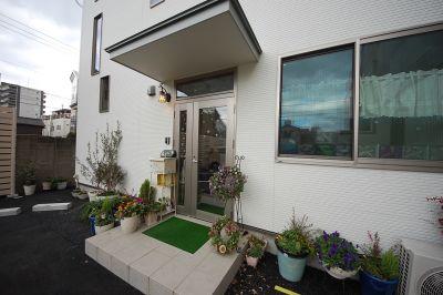 レンタルサロン 美明日(ビアス) 小部屋の入口の写真