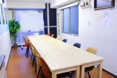 FRIENDS 会議室、撮影、ボードゲームの室内の写真