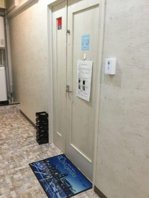 エントランスです - 馬車道レンタルサロン 無限大 馬車道/関内レンタルサロン無限大の室内の写真