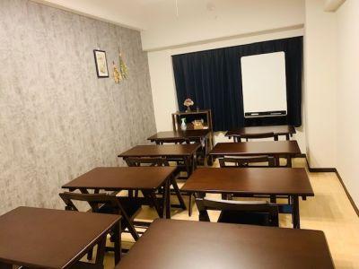 ステュディオ新大阪 ウッディスペース新大阪の室内の写真