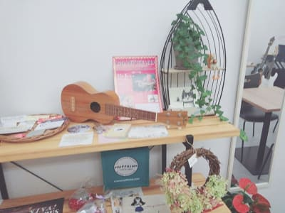 ウクレレやタンバリン もあります。 - Nagisanboの室内の写真