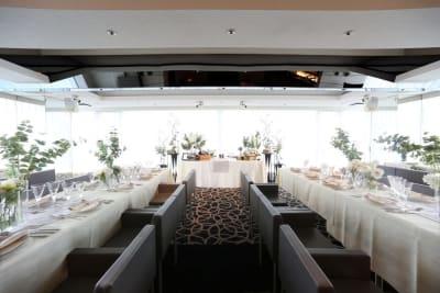 6階 最上階3面ガラス張りの会場です。(着席70名)音響・映像・厨房・控室完備  - VICEO(ビセオ) 多目的スペースVICEOの室内の写真