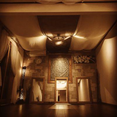 夜は静かで癒しの空間。 - アルタースタジオ スタジオ・ワーキングスペースの室内の写真