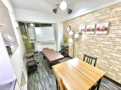 ドゥーズ@名駅 レンタルサロン、レンタルスペースの室内の写真
