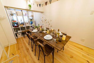 082_fika西新宿 キッチンスペースの室内の写真