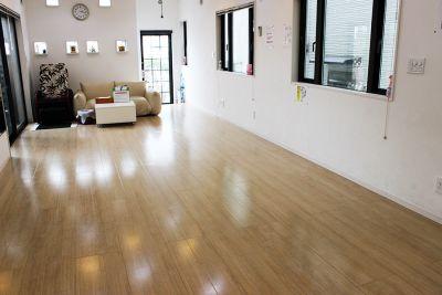 縦長のスタジオ 350×840 天井の高さ 2m60 - スタジオKaveri 東林間 レンタルスタジオの室内の写真
