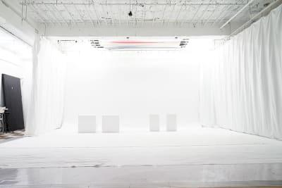 白ホリ 設置使用料6000円 - 蒲田センタービル504 クロマキー撮影 レンタルスタジオの室内の写真