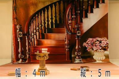 大型背景階段 設置使用料2000円 - 蒲田センタービル504 クロマキー撮影 レンタルスタジオの室内の写真