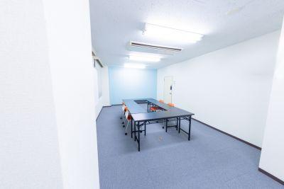 北目町ティーライズスペース レンタルスペース動画撮影、会議室の室内の写真