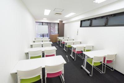 ベイシズ福岡・博多駅前貸会議室 A02(収容人数20名)会議室の室内の写真