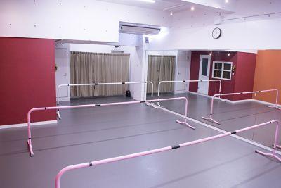 【アトリエ エマーブル】 レンタルダンススタジオの室内の写真