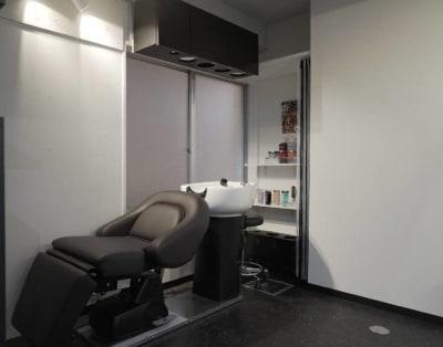 レンタルシェアサロンUZI銀座シャンプーブース - レンタルシェアサロンUZI銀座 面貸しサロンA /メイク/ネイルの室内の写真