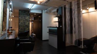 レンタルシェアサロンUZI銀座メインフロア - レンタルシェアサロンUZI銀座 面貸しサロンA /メイク/ネイルの室内の写真