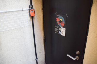 中野シアターかざあな お笑いライブハウスの入口の写真