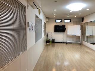 エアコン二機 床暖房 ファン 空気清浄機 二機 脱臭機 二機 - スタジオKaveri 東林間 レンタルスタジオの室内の写真