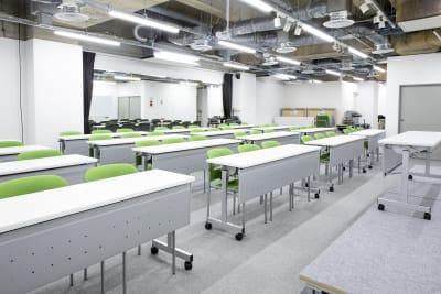 スタジオスペース新宿御苑 ライブ会場、講演、ミーティングの設備の写真