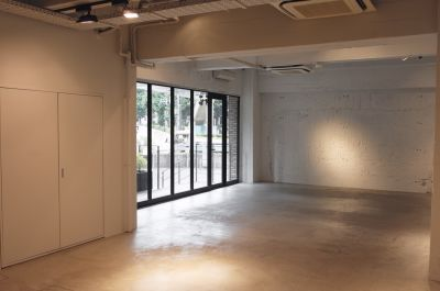 THE SHARE 104 Joint  Galleryの室内の写真