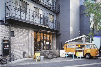 THE SHARE 104 Joint  Galleryの入口の写真