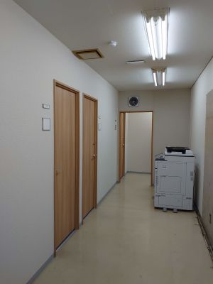 リバーサイド会議室 貸会議室105号室の設備の写真