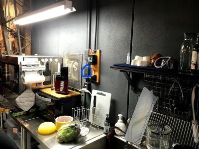 Cafe SaCueva ビンテージ風町工場カフェの設備の写真