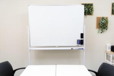 みーてぃんぐすぺーす本町 貸し会議室の設備の写真